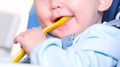 小孩不吃饭是什么原因