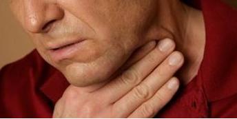 喉咙肿痛该怎么办
